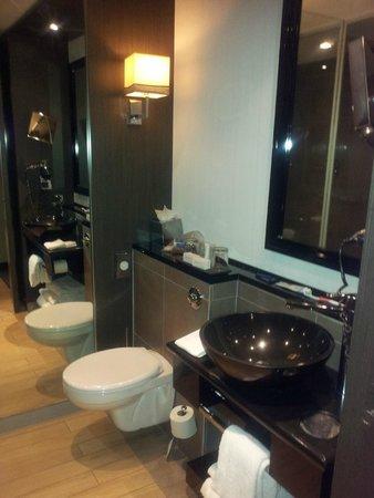 The Dominican : Bathroom