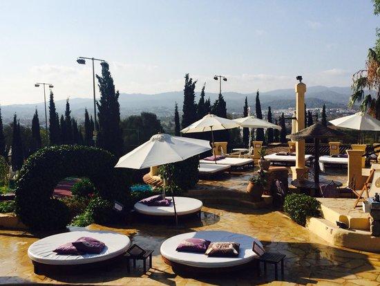 Ibiza Rocks House at Pikes Hotel: Piscina area relax