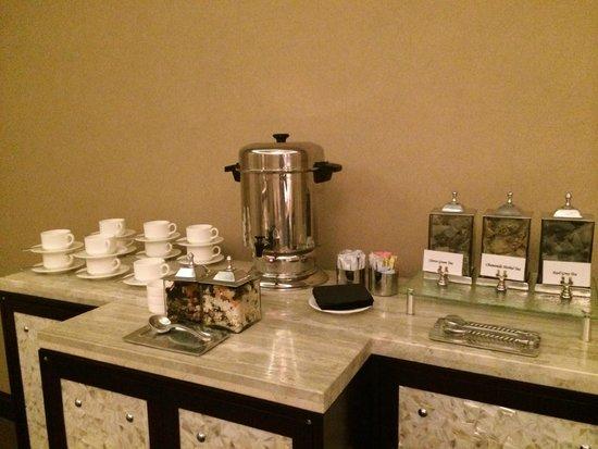 Waldorf Astoria Orlando : Tea service in spa sanctuary