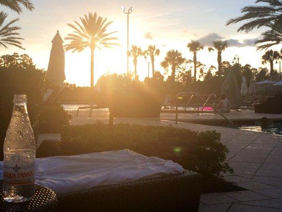 Waldorf Astoria Orlando : Sunset view from our cabana
