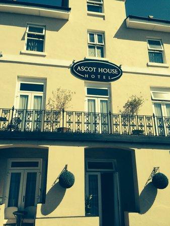 Ascot House Hotel: Happy Holiday