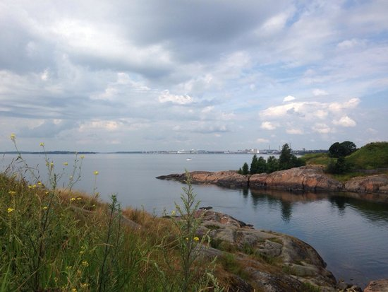 Forteresse de Suomenlinna : The view above near the cannon