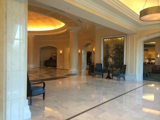 Waldorf Astoria Orlando: Beautiful hotel decor