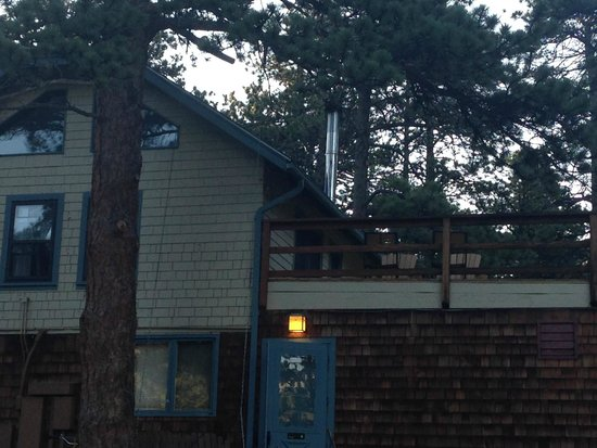 Romantic Riversong Bed and Breakfast Inn : Early morning at the lodge