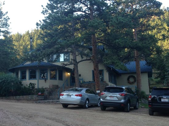 Romantic Riversong Bed and Breakfast Inn : The main lodge