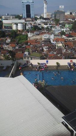 Aston Braga Hotel & Residence: swmng pool