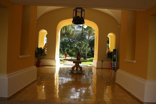 Iberostar Hacienda Dominicus : patios internos