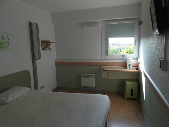 Ibis Budget Toulouse Centre : Dormitorio