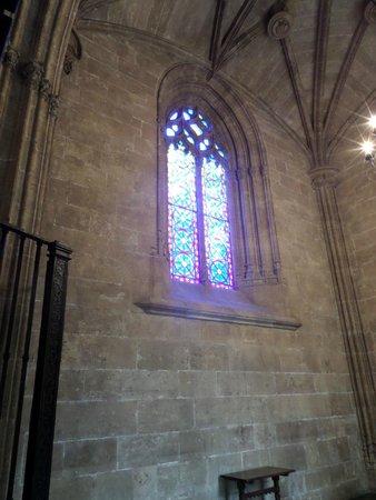 La Lonja de la Seda: Stained glass
