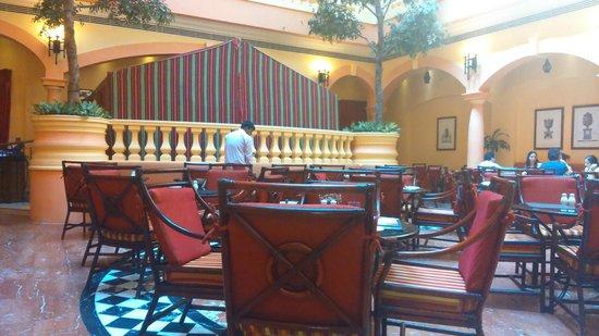 Grand Excelsior Hotel Deira: Breakfast Area
