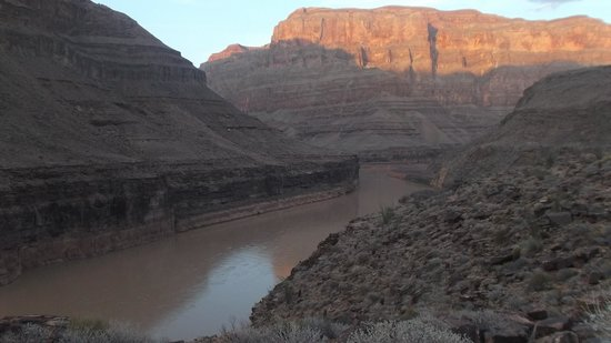 Grand Canyon Helicopters - Las Vegas : Base of the Grand Canyon