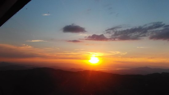 Grand Canyon Helicopters - Las Vegas : view of sunset from helicopter on way back from grand canyon