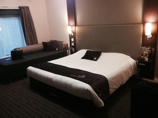 Premier Inn Bath City Centre Hotel: hotel room