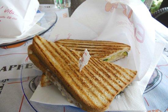 Evita Pub: Funky Toast