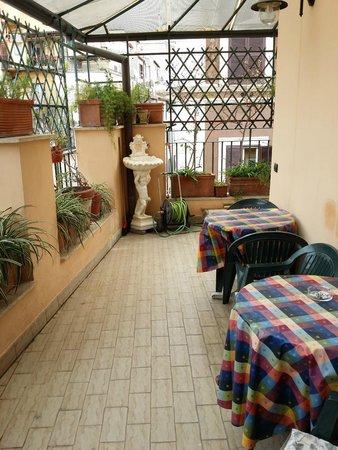 Hotel Grifo: Balcony