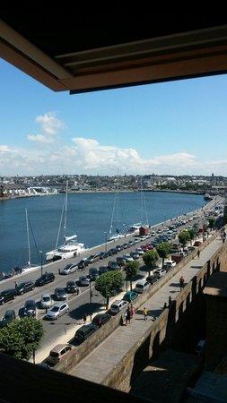 ibis Styles Saint-Malo Centre Historique : Chambre au 5 ème vu sur le port