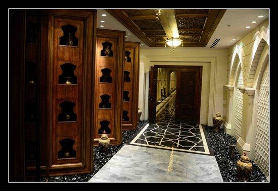 Jumeirah Zabeel Saray : Spa Entrance
