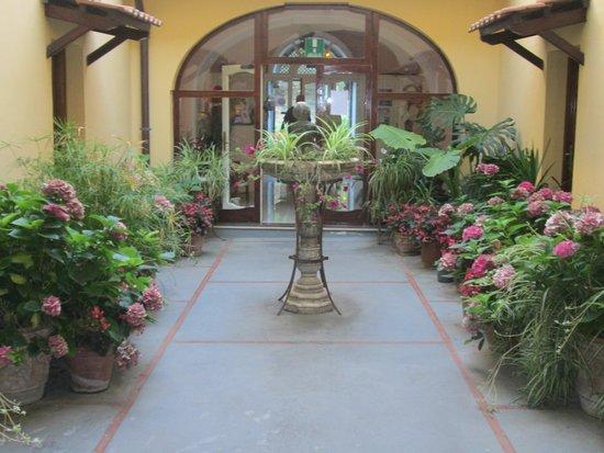 Hotel La Badia : le patio