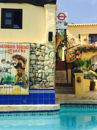 Pikes Ibiza : Piscina
