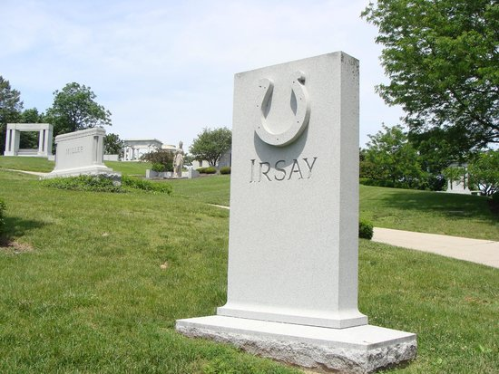 Crown Hill Cemetery: Robert Irsay's grave