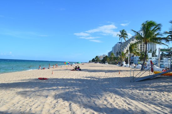 Manhattan Tower Apartment Hotel : Ft. Lauderdale Beach