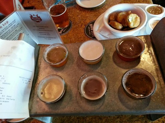 Hollister Brewing Company: Beer Sampler - I recommend!