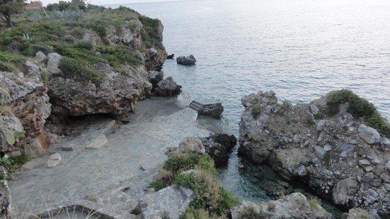 Litsa Apartments: Gnospi swimming platform