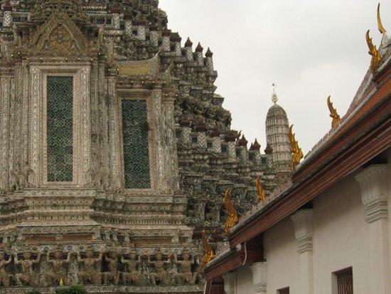 Wat Arun (Tempel der Morgenröte): Detalle arquitectónico