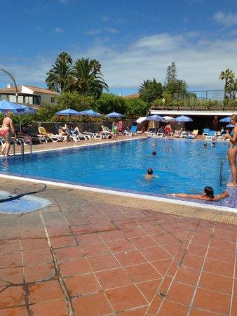 Hotel Puerto de la Cruz: upper pool area