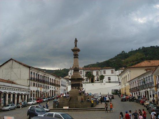 Praca Tiradentes: Praça Tiradentes em Ouro Preto