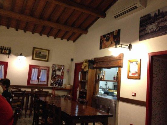 Trattoria Da Bule: Inside
