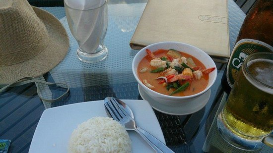 Aminjirah Resort: red curry