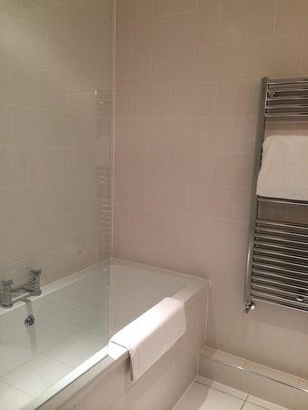 Lanes Hotel: Bathroom