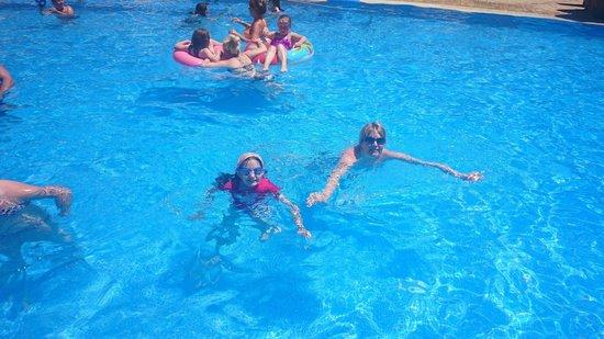 MedPlaya Hotel Calypso: fun in the pool