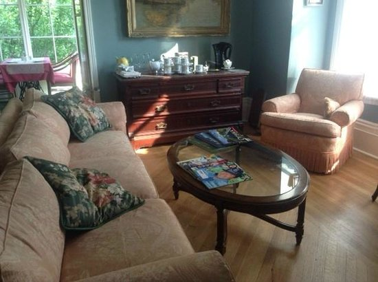 Manse Lane Bed & Breakfast: A quiet place to relax with friends