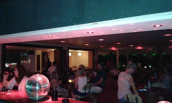 Lush Restaurant Bar: karaoke