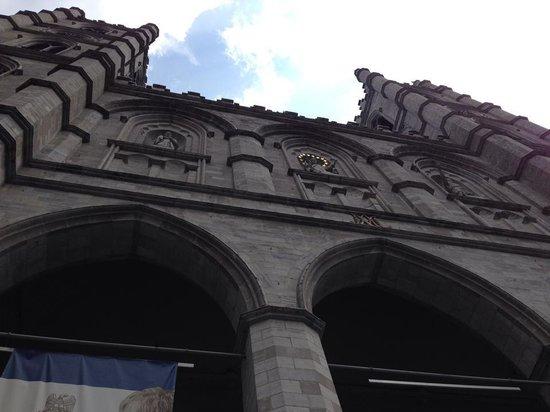 Basilique Notre-Dame de Montréal : Entrance looking up