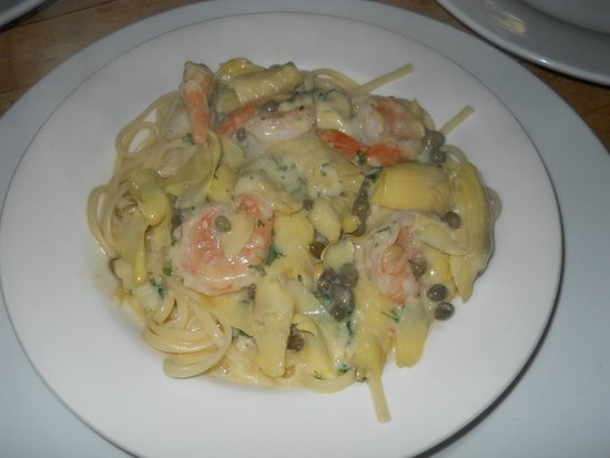 Surry Inn: Gulf shrimp sauteed with white wine, lemon, parsley, garlic butter and capers over linguine