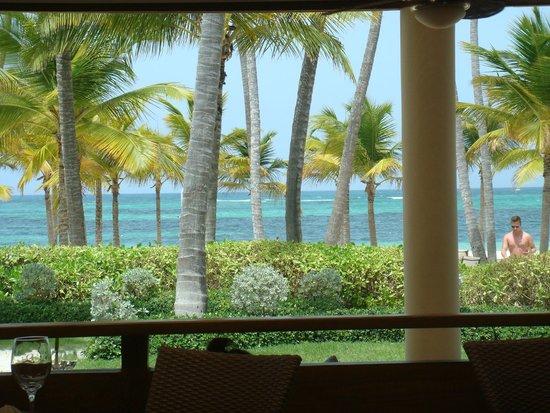 Secrets Royal Beach Punta Cana: vista para o mar do restaurante