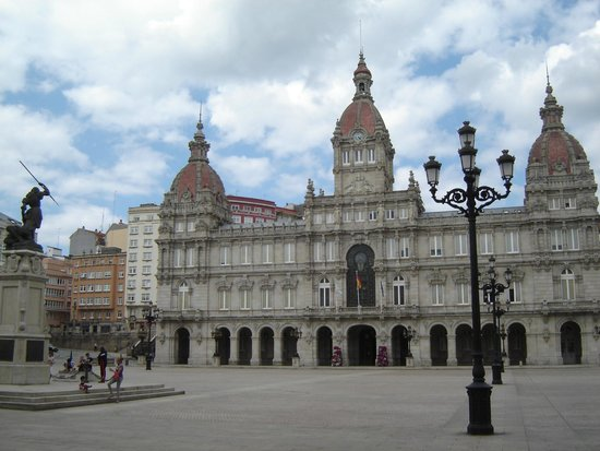 Plaza de Maria Pita : Ayuntamiento de A Coruna (Plaza de María Pita)