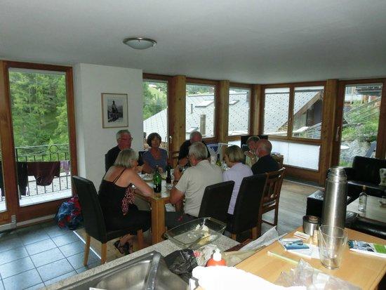 Apparthotel Casa Vanessa: Middag i stuen
