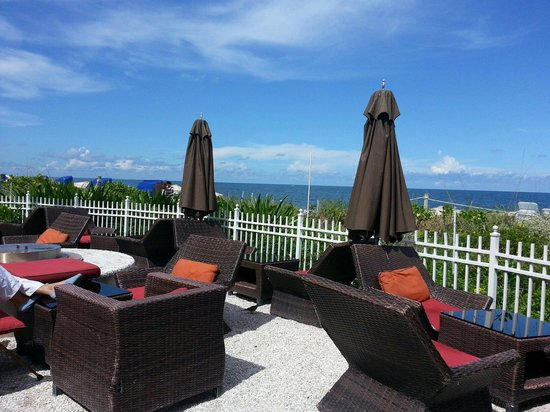 Cantina Beach: Outdoor seating