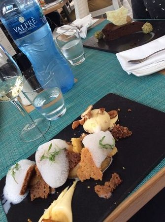 Two Oceans Restaurant: apple cramble