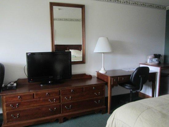 Camden Riverhouse Hotel and Inns: room