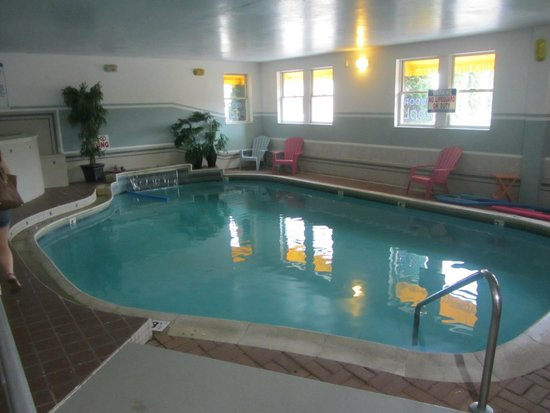 Camden Riverhouse Hotel and Inns: Pool