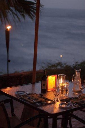 Guana Island: Dinner setting