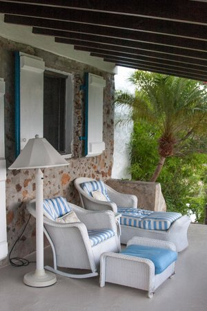 Guana Island : Porch of our sea-view cottage (Eleuthera)