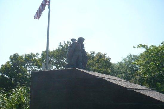 Heartland of America Park: War memorial