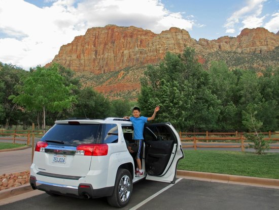 Hampton Inn & Suites Springdale Zion National Park: Surrounded by majestic mountains of Utah