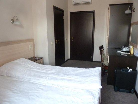 Atlanticа Hotel: habitacion